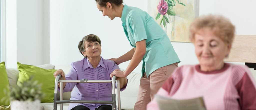 avantajele-caminelor-pentru-bunici